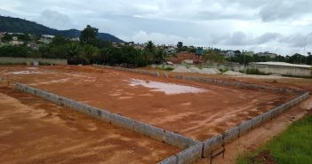 Prefeitura de Tucumã inicia obras de construção de dois campos society no bairro Boa Esperança